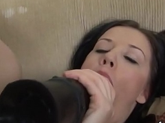 Hot looker opens up her fuckbox and enjoys hardcore shacking up